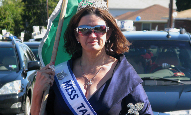 2010 Worcester Columbus Day Parade - Ms. Tall Boston 2010 - Susan Flynn